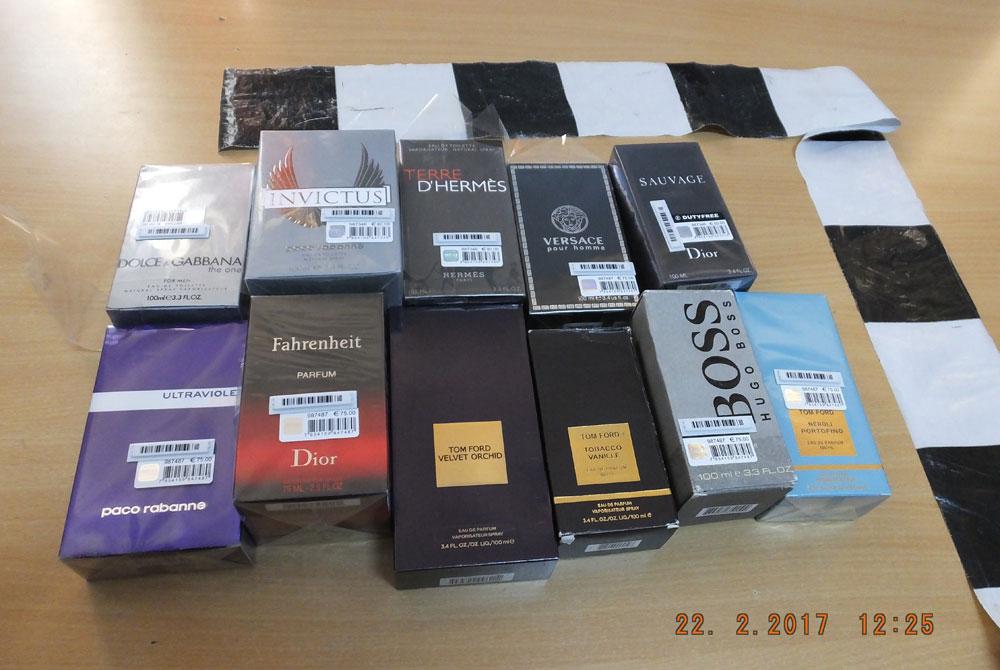 Dosar Penal Pe Numele Unui Bărbat Care Vindea Parfumuri Contrafăcute
