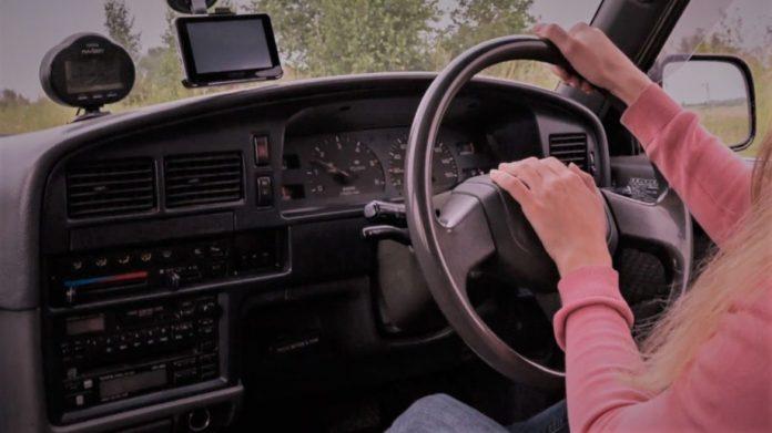 24 din 25 de accidente în care au fost implicate maşini cu volan pe dreapta – din vina şoferilor acestora